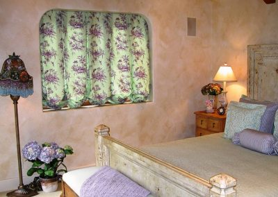 Carmel French Cottage, Guest Room