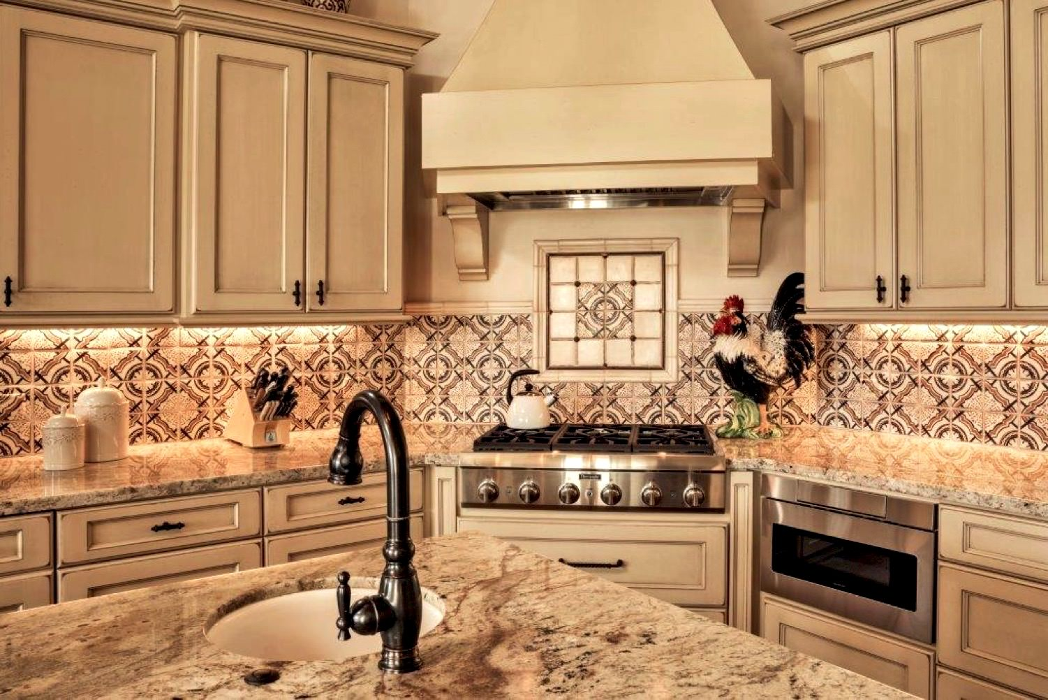 Pasadera Kitchen, design by Gardner & Associates